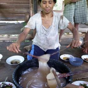 Serving sago paste at a meal